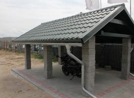 Wiata na rowery z dachem dwuspadowym