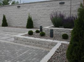 Mur i klomb - Skała Lubuska
